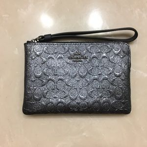 NWT Coach F39168 Charcoal Signature Print Patent Leather Corner Zip Wristlet $85
